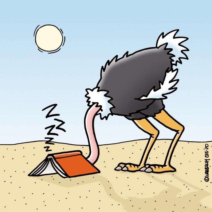 Vogel Strauss liest ein langweiliges Buch